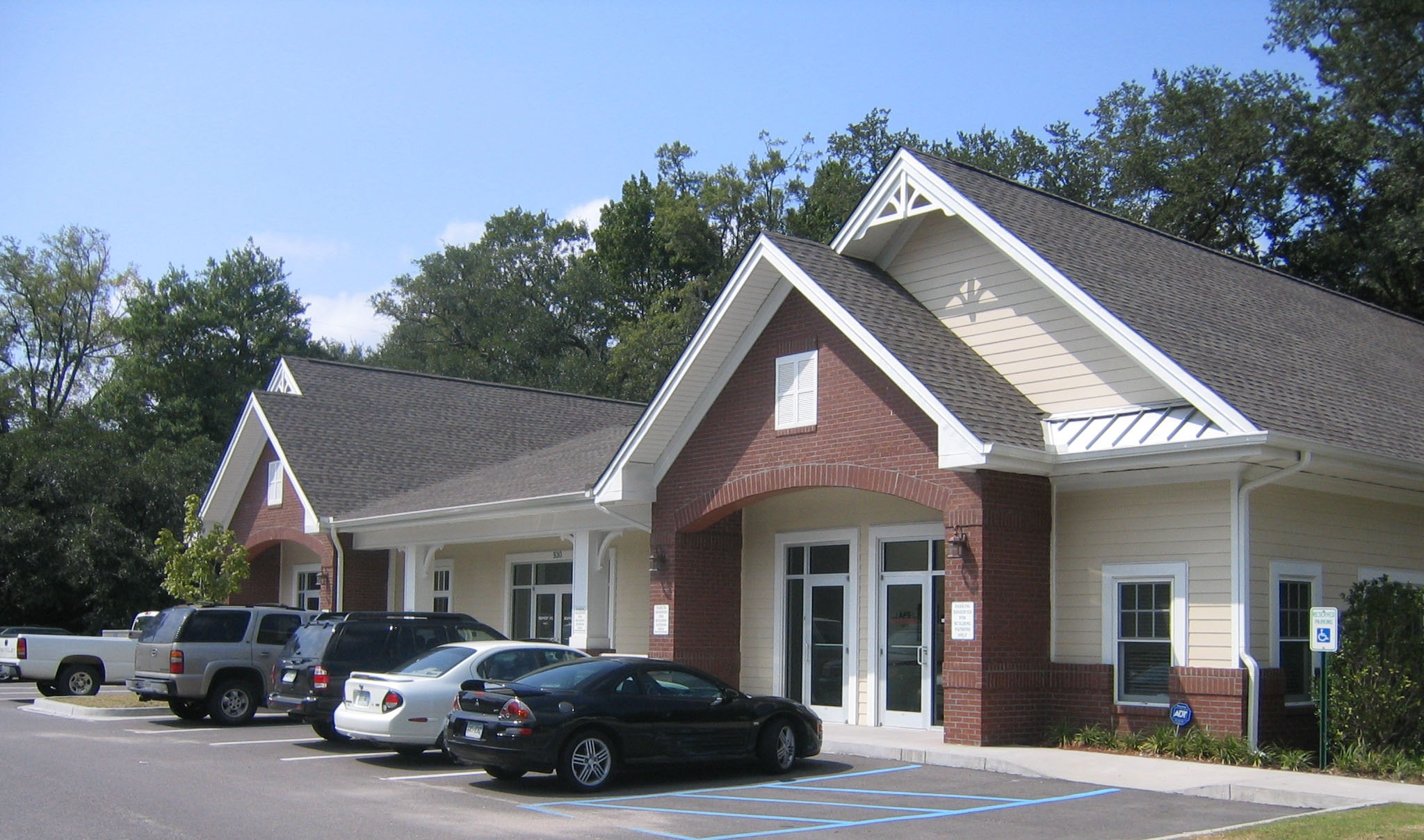 picture of Folley Oaks Professional building