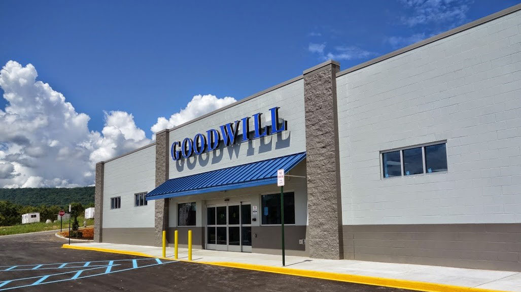 picture of Roanoke, VA Goodwill Store